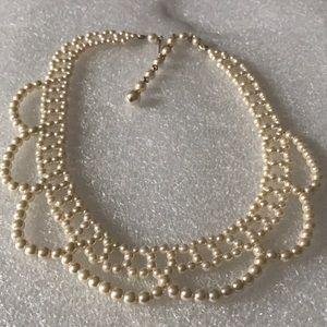 Vintage pearl chocker